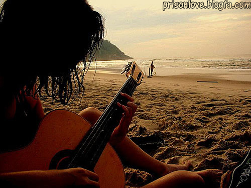 نتیجه تصویری برای عشق و گیتار